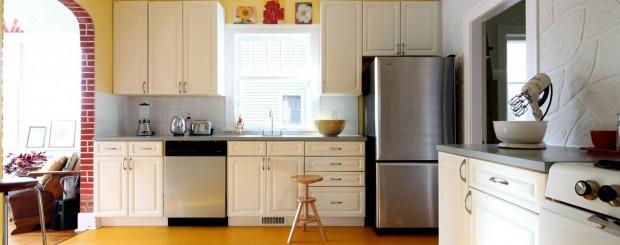 Мебель для кухни в светло-желтых тонах