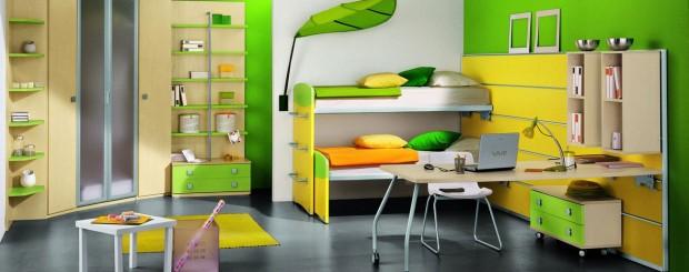 Детская комната желто-зеленого цвета с мебелью в ретро классическом стиле.