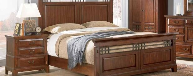 Деревянная мебель для спальни в удивительном стиле модерн: кровать, шкаф, комод и прикроватная тумбочка.