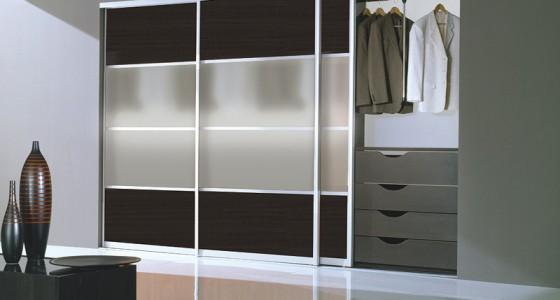 Встроенный шкаф-купе для гостиной