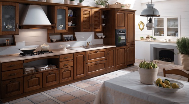 Кухня в классическом стиле из массива дерева